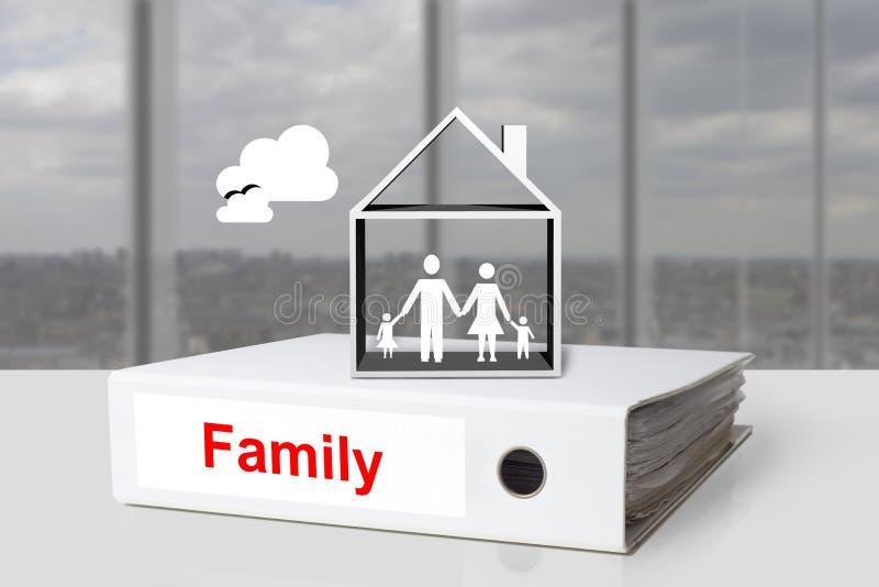 Famille de reliure de bureau tenant des mains dans la maison illustration libre de droits