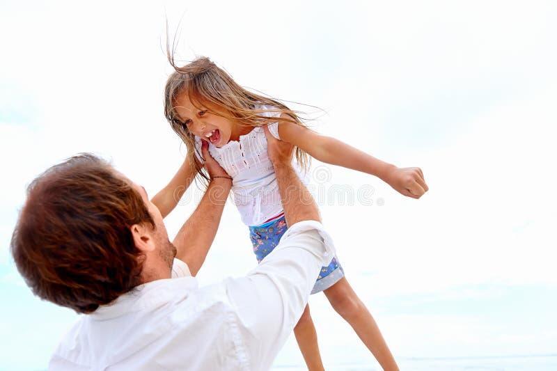 Famille en bonne santé d'amusement photos stock