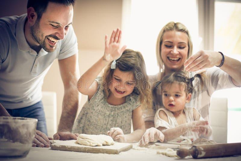 Famille espiègle photo stock