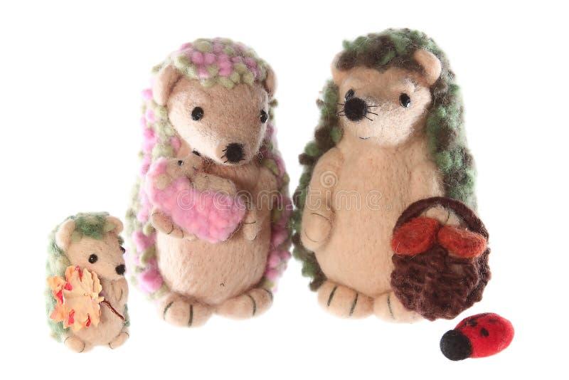 Famille fabriquée à la main de jouet de hérisson ensemble photos libres de droits