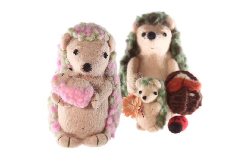Famille fabriquée à la main de jouet de hérisson horizontale image libre de droits