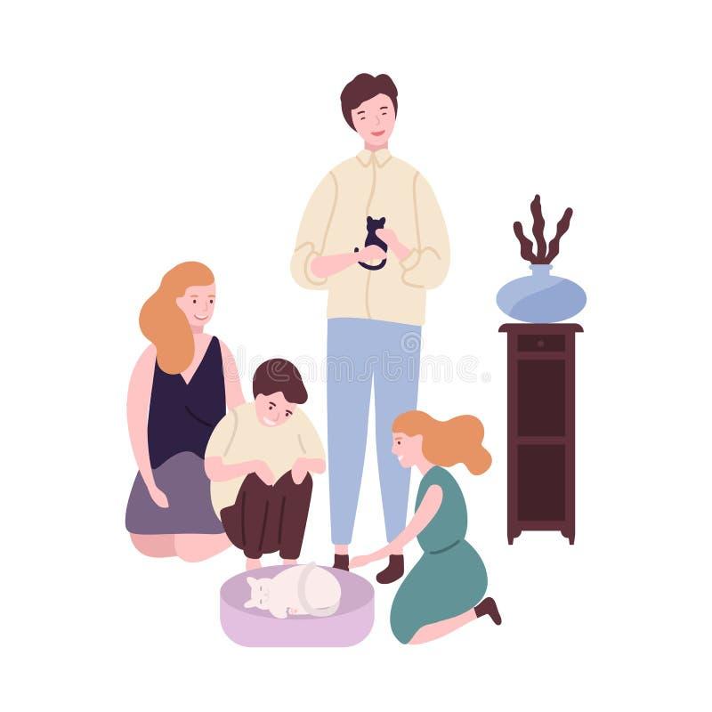 Famille heureuse passant le temps ensemble Maman, papa, fils drôle et fille prenant le soin au sujet du chat et du chaton Parents illustration libre de droits