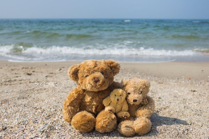 Famille heureuse sur le concept de vacances images stock