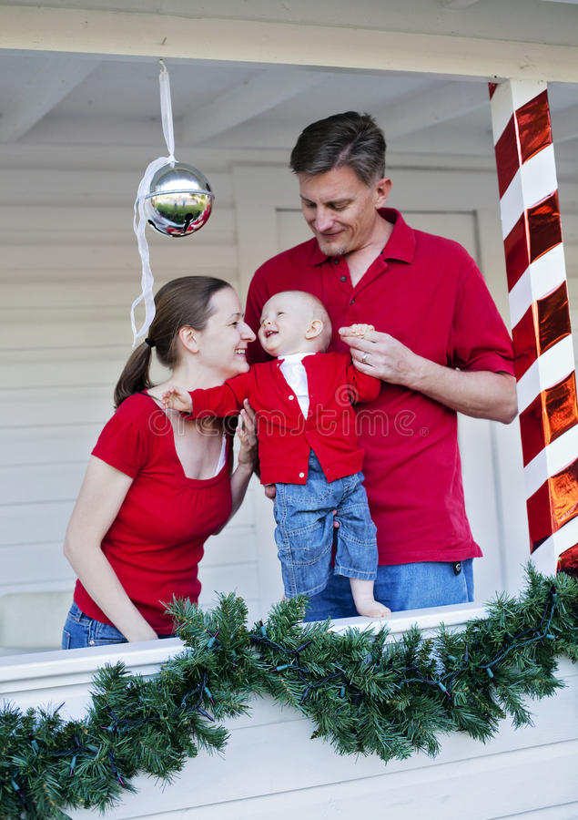 Famille heureux à Noël image libre de droits