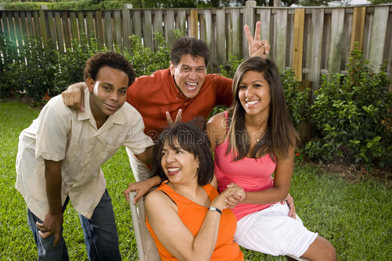 famille interracial photos libres de droits