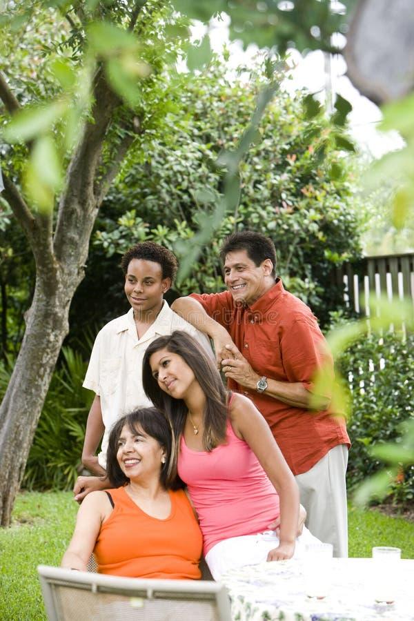 famille interracial photos stock