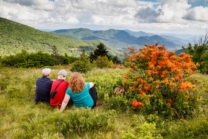 Famille sur Roan Mountain North Carolina photographie stock