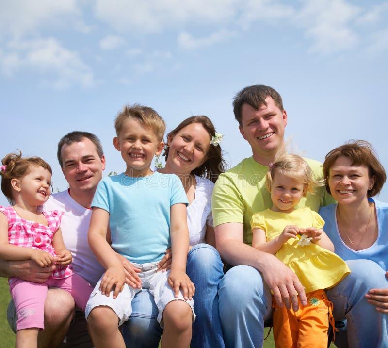 familles grandes de verticale photos stock