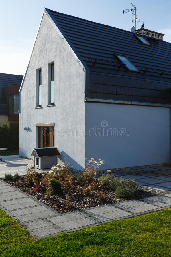 House with hidden gutter system stock image