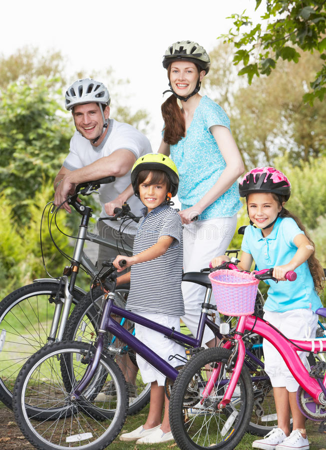 Free Family On Cycle Ride In Countryside Royalty Free Stock Images - 33087809