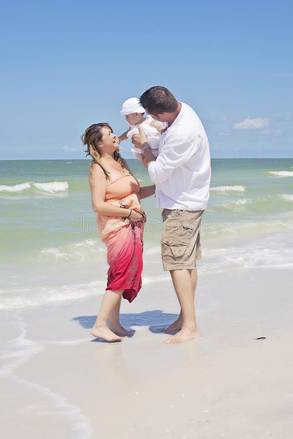 Free Family Playing On Beach Royalty Free Stock Photo - 33502625