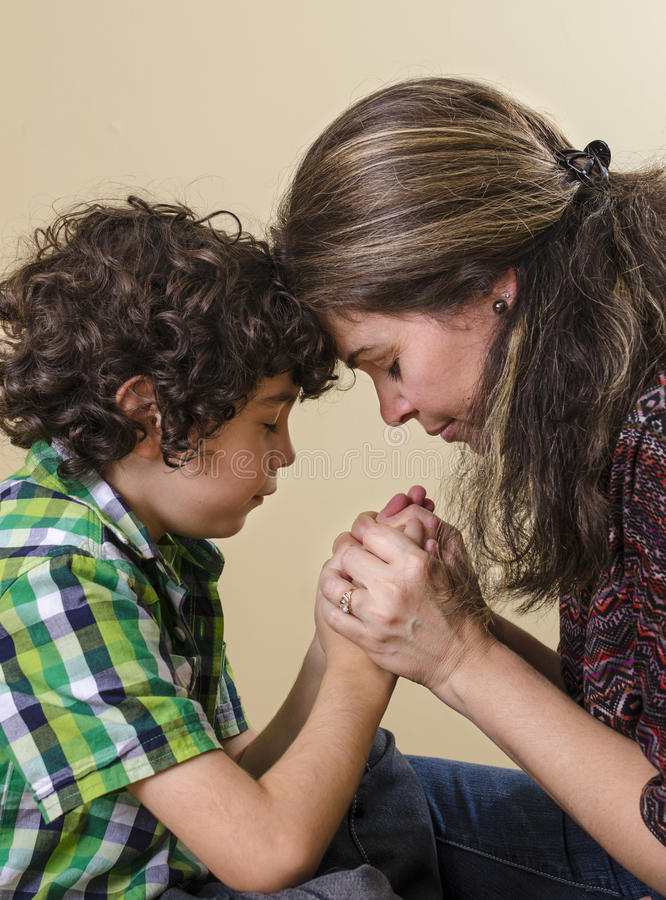 Free Family Praying Royalty Free Stock Images - 26846889