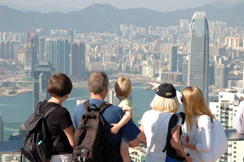 Famly die Hongkong bezienswaardigheden bezoekt stock fotografie