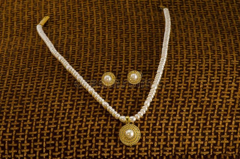 Famosa collana di perle dai mercati di Hyderabad, India Asia fotografia stock libera da diritti