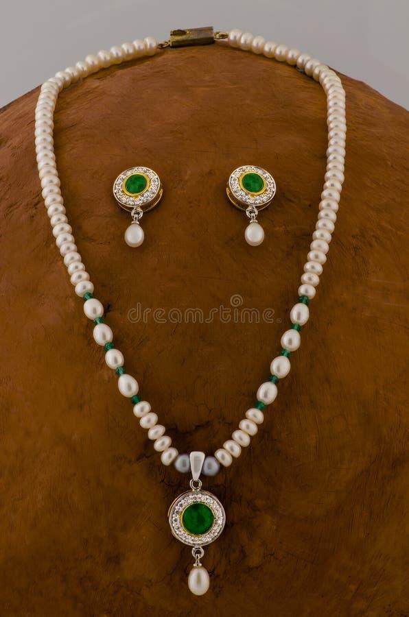 Famosa collana di perle dai mercati di Hyderabad, India Asia fotografia stock