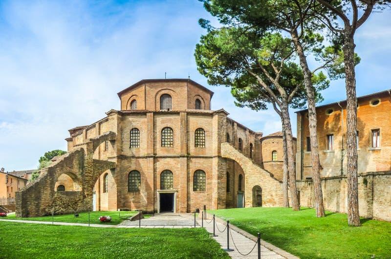 Famous Basilica di圣维塔利在拉韦纳,意大利 免版税库存照片