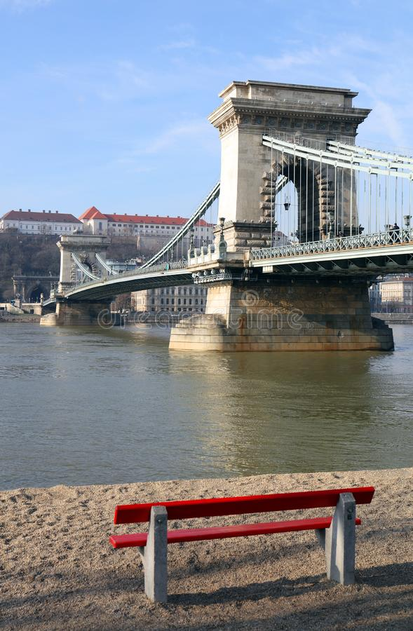 The famous Chain Bridge across the Danube river. The Buda Castle is in background, Budapest, Hungary, Europe. The Szechenyi Chain Bridge Széchenyi lánch stock photography