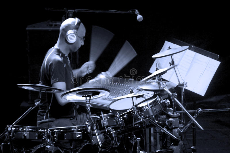 Download Drummer artist Omar Hakim editorial photography. Image of entertaining - 30111097