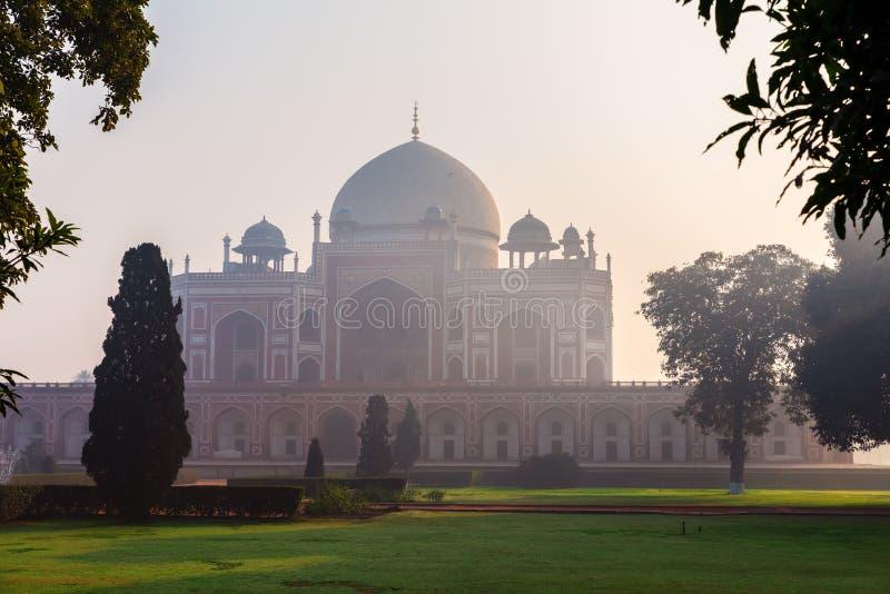 Famous Humayun's Tomb of India, New Delhi i centrala staden royaltyfria bilder