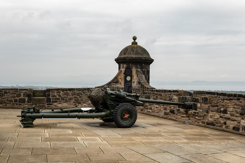 Famous One OClock Gun L118 Light Gun howitzer in Edinburgh Castle which is used for ceremonial firing almost every day. Famous One O'Clock Gun L118 Light stock photography