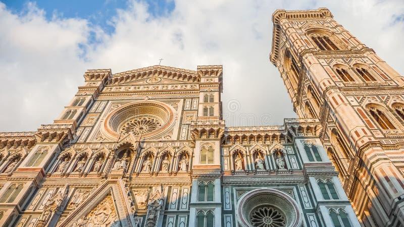Famous Piazza del Duomo en la puesta del sol en Florencia, Toscana, Italia fotografía de archivo libre de regalías