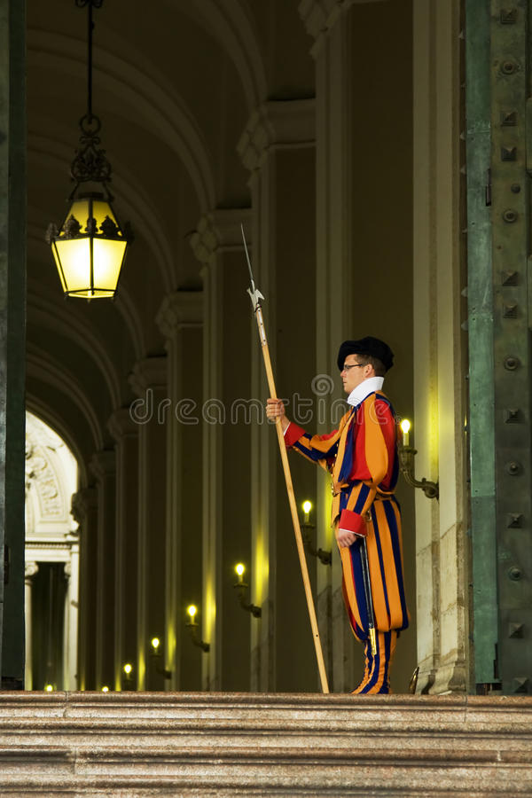 Download Famous Swiss Guard In Vatican Editorial Stock Photo - Image of pope, papal: 19167488