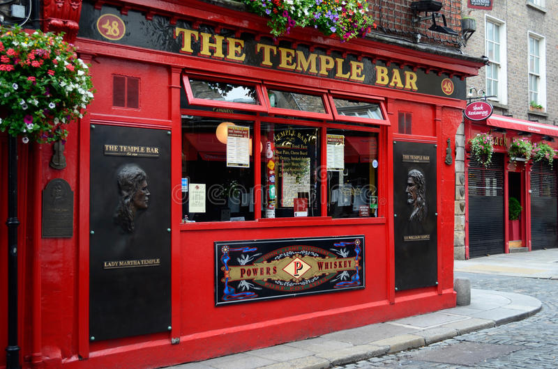 Download Famous Temple Bar In Dublin Editorial Image - Image: 25818320