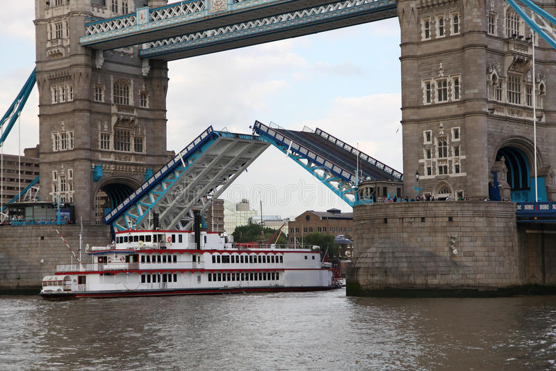 Download Famous Tower Bridge, London, UK Stock Photo - Image: 19623086