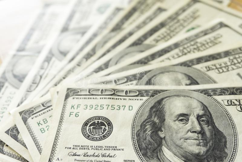 Fan de cent billets d'un dollar, fin  image libre de droits