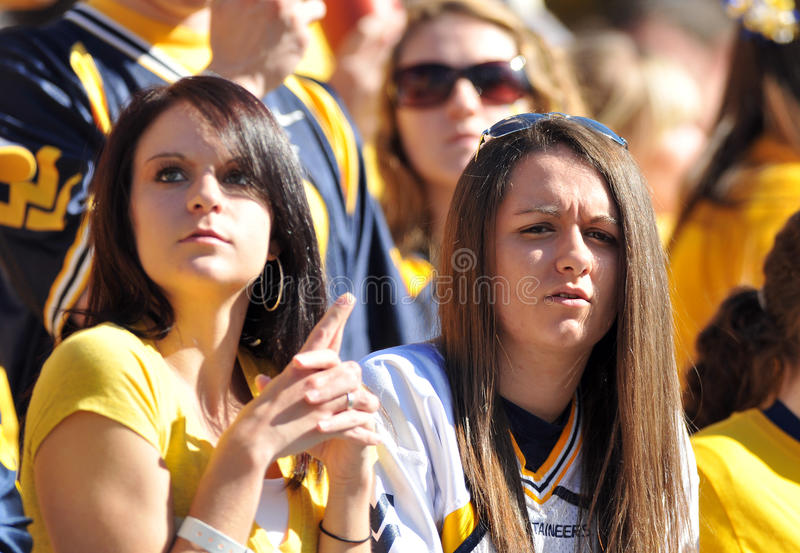 Fan de futebol de WVU - mulheres fotos de stock royalty free