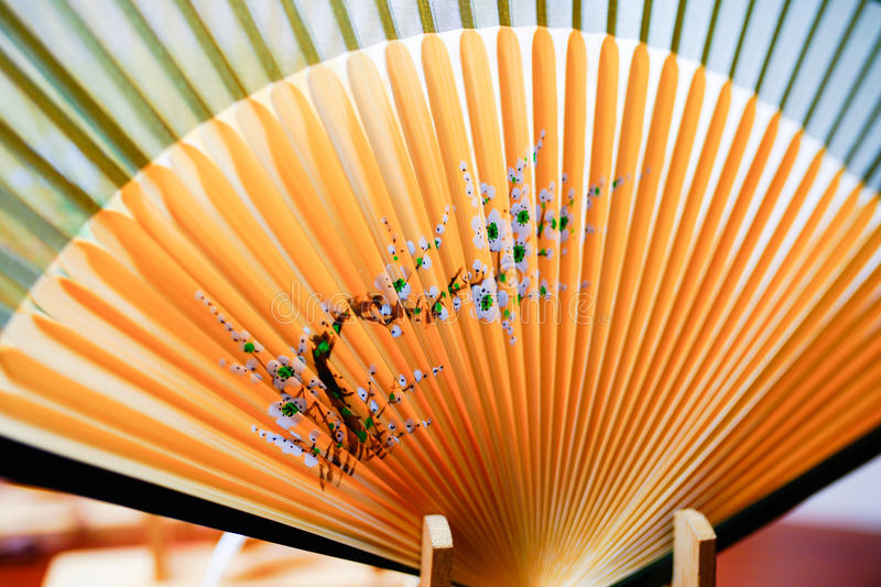 Fan en bambou traditionnelle chinoise images stock