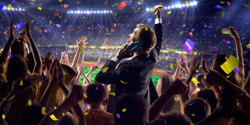 Fan na stadium gry biznesmenie obraz royalty free