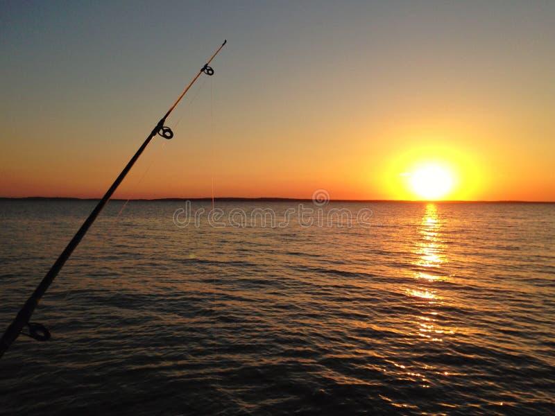 Fangen eines Sonnenuntergangs lizenzfreie stockfotos