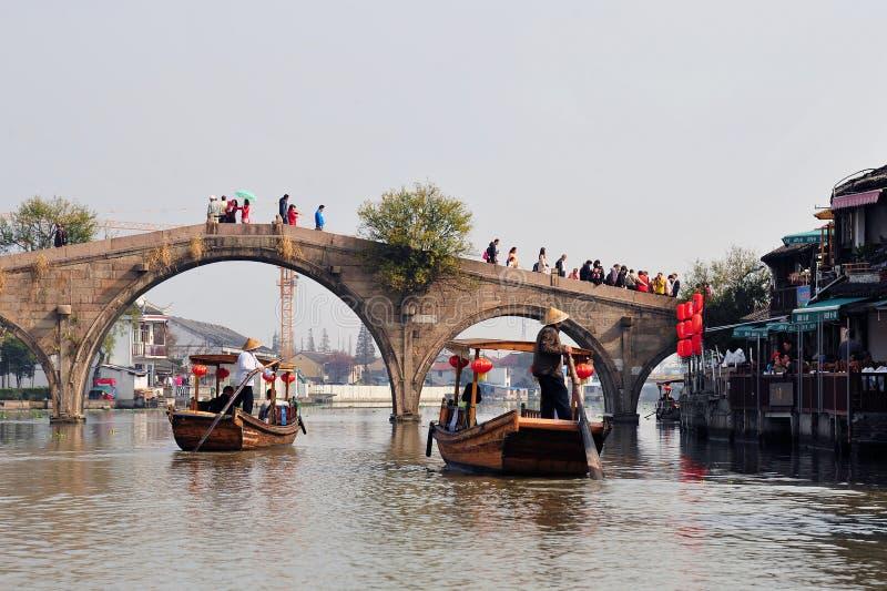 Fangsheng桥梁在朱家角镇  库存图片