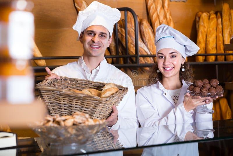 Fantaisie de offre et gâteaux de Savoie de personnel image libre de droits