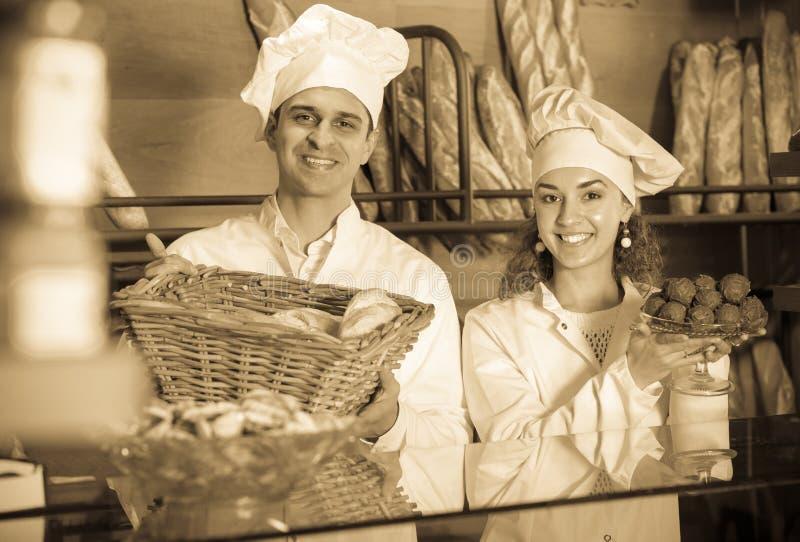 Fantaisie de offre et gâteaux de Savoie de personnel photos libres de droits