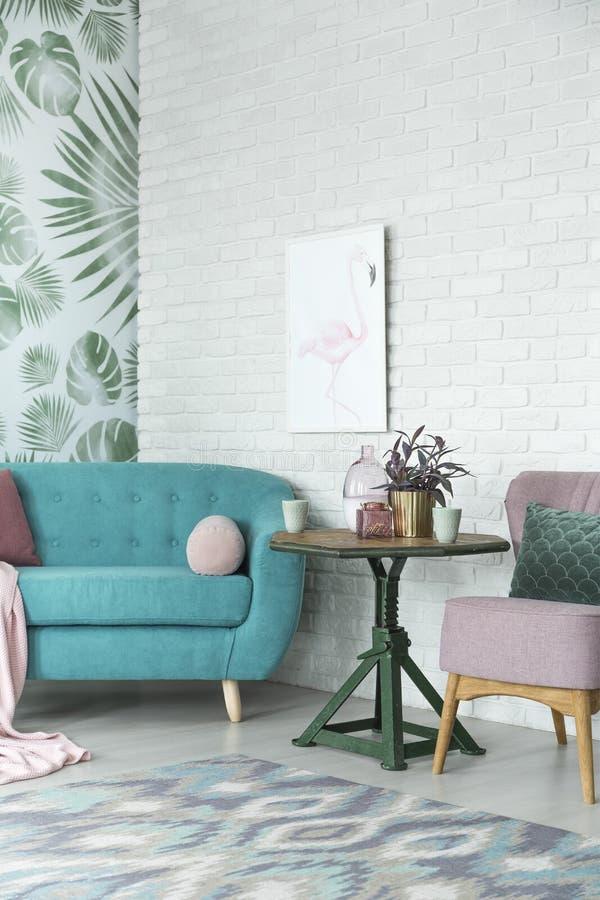 Fantasieinnenraum des Wohnzimmers stockfotos