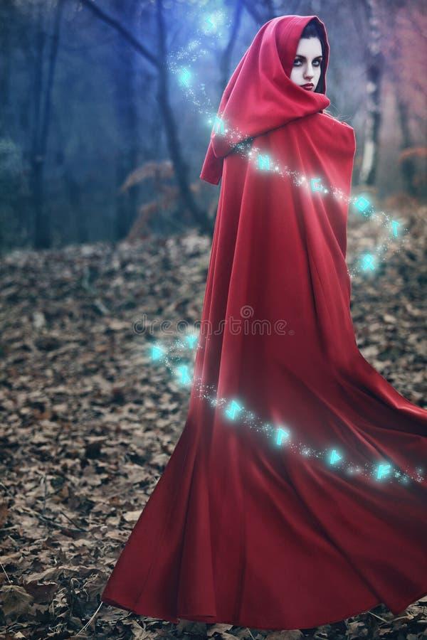 Fantasierunen magisch stockbild