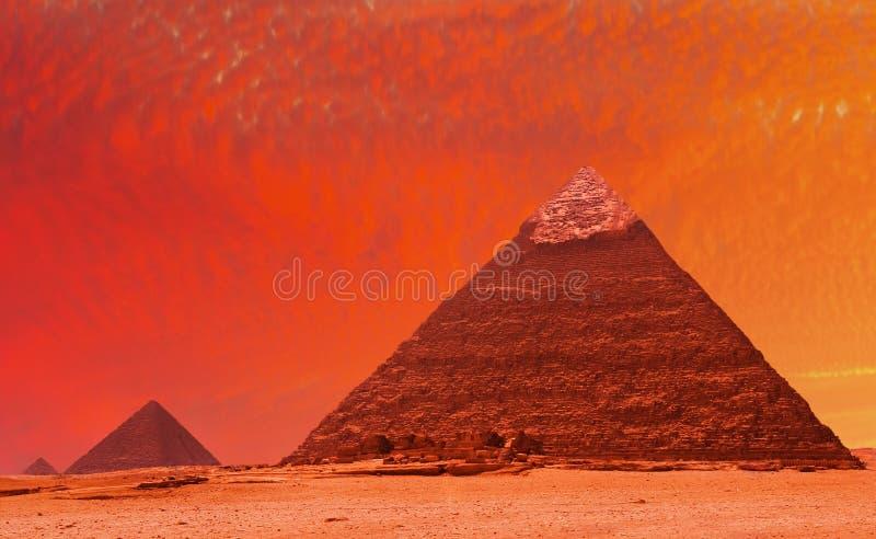 fantasipyramid arkivfoto
