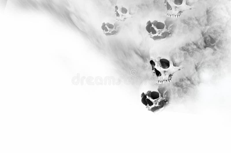 Fantasmas de susto de la cara con humo gris en el fondo blanco fotos de archivo libres de regalías