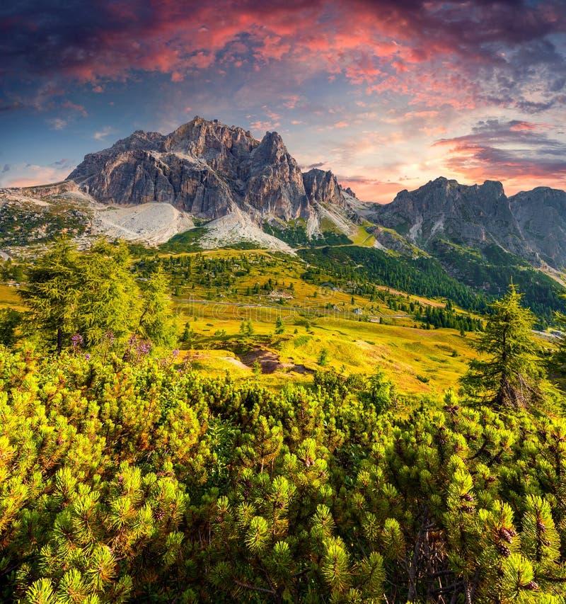 Free Fantastic Summer Sunrise On The Tofane Mountain Range. Royalty Free Stock Photography - 50248177