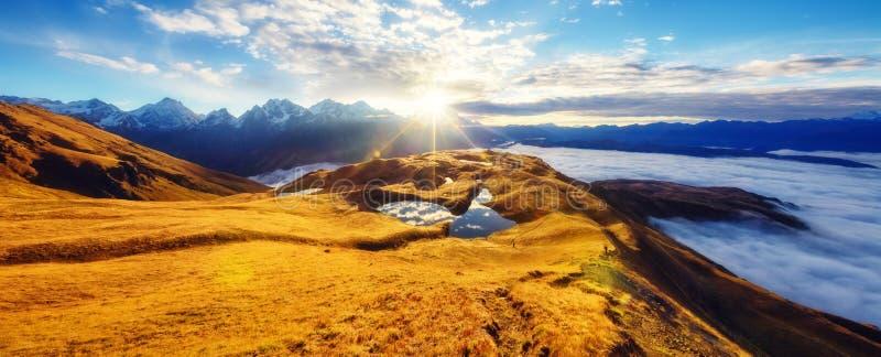 Fantastisch berglandschap royalty-vrije stock foto's
