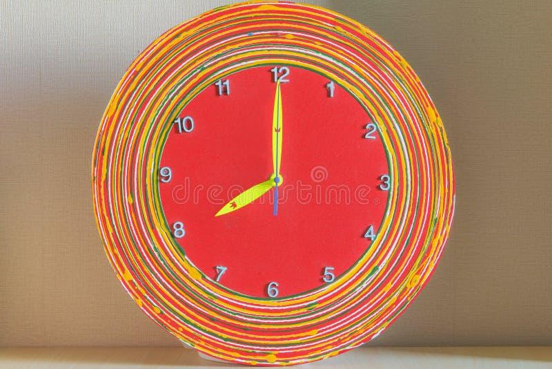 Fantastische Uhr mit acht Uhr stockfotos