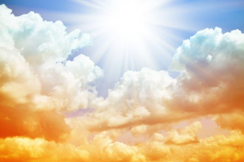 Download Fantastischer Mehrfarbiger Himmel Stockfoto - Bild von hintergrund, landschaft: 96935258