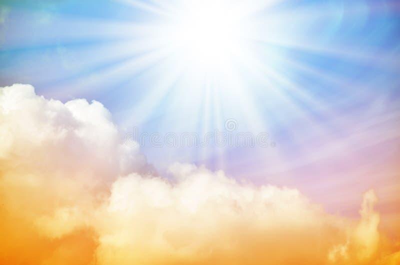 Download Fantastischer Mehrfarbiger Himmel Stockfoto - Bild von cloudscape, ätherisch: 96935436
