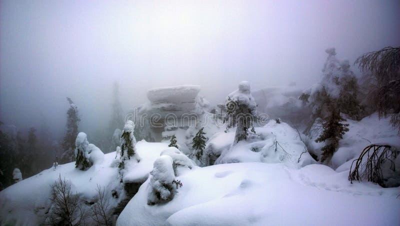 Fantastischer Winter in den Urals stockfoto
