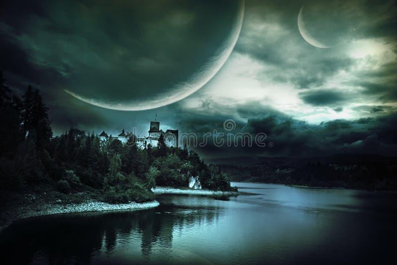 Fantastiskt landskap med en slott royaltyfri foto