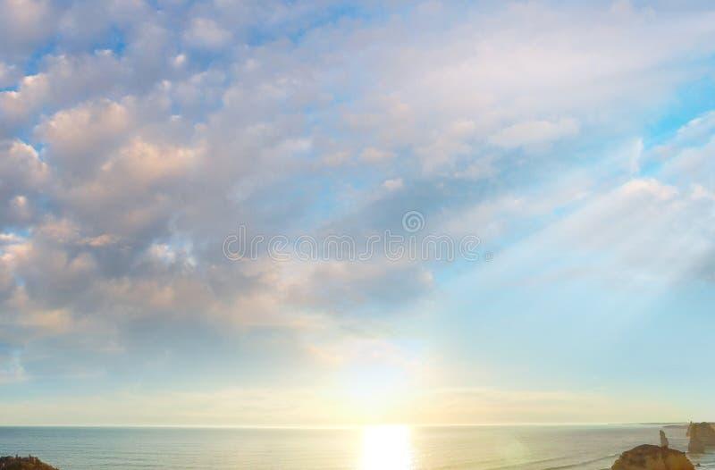 Fantastiskt solnedgångscenario av den stora havvägen - Australien arkivbilder