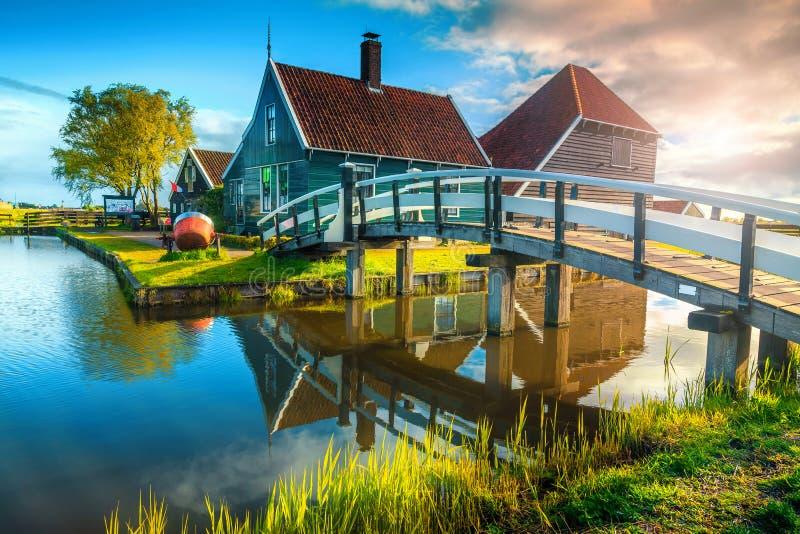 Fantastyczna turystyczna wioska Zaanse Schans blisko Amsterdam, holandie, Europa obraz royalty free