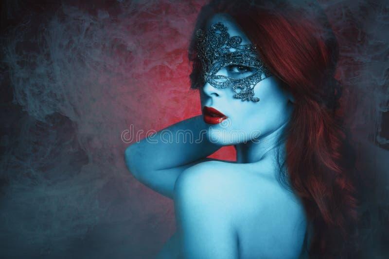 Fantazi kobieta z maską fotografia royalty free